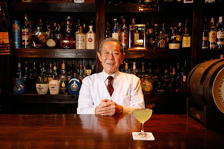 オーナー・バーテンダーの渡辺昭男さん