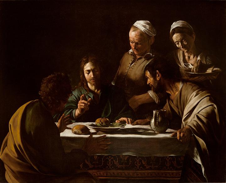 「風俗」「五感」「光」「斬首」などのテーマごとに構成された展示作品のうち「光」に カテゴライズされた《エマオの晩餐》。カラヴァッジョの晩年様式の端緒を飾る作品。深い闇に人物たちが沈んでいくかのような、静謐で内省的な光の表現は、これ以降のカラヴァッジョの作品に特徴的なもの。 カラヴァッジョ 《エマオの晩餐》 1606 年、油彩/カンヴァス、141×175 cm、ミラノ、ブレラ絵画館 Photo courtesy of Pinacoteca di Brera, Milan