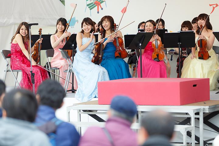 桜の街のオーケストラのメンバー 写真提供:東京・春・音楽祭実行委員会/撮影:寺山遊