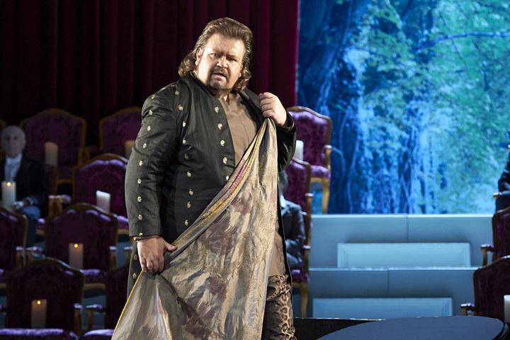 ボータ演じるバッカス(2014年11月ウィーン国立歌劇場公演より) Photo:Wiener Staatsoper / Michael Poehn
