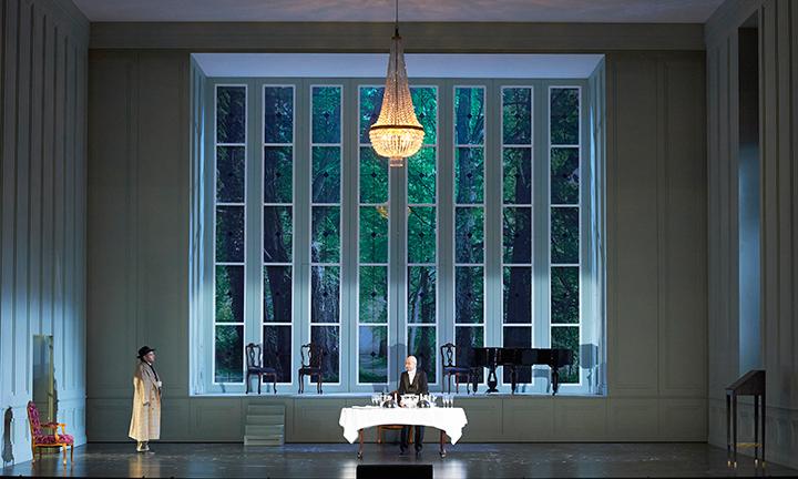 執事長を演じるマティッチ (ウィーン国立歌劇場公演より) Photo:Wiener Staatsoper_Michael Poehn