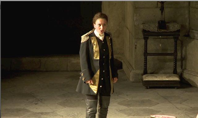 グリシュコヴァ演じるケルビーノ (ウィーン国立歌劇場2012年日本公演より)