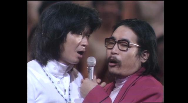 左)小澤征爾、右)山本直純。TV『オーケストラがやってきた』(TBS系列局・テレビマンユニオンとTBSの共同製作)から