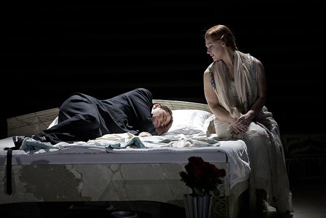 フィンランド国立歌劇場公演より photo: Stefan Bremer