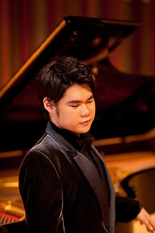 C)Yuji Hori