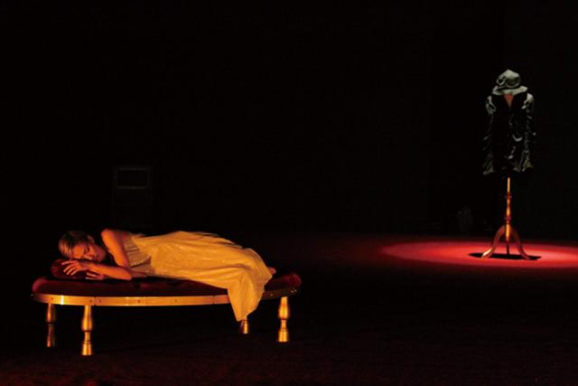 2013年8月「シアンの家」高松公演より(C)studio K
