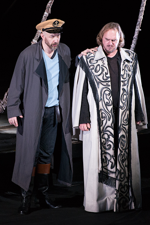 左)【ダーラント】ラファウ・シヴェク、右)【オランダ人】トーマス・ヨハネス・マイヤー