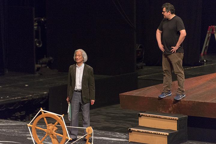 飯守泰次郎オペラ芸術監督(左)演出:マティアス・フォン・シュテークマン(右)