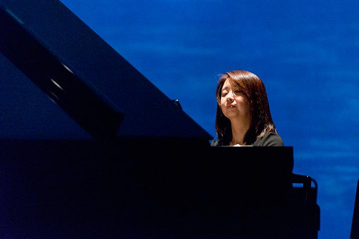 ピアノ:木下志寿子