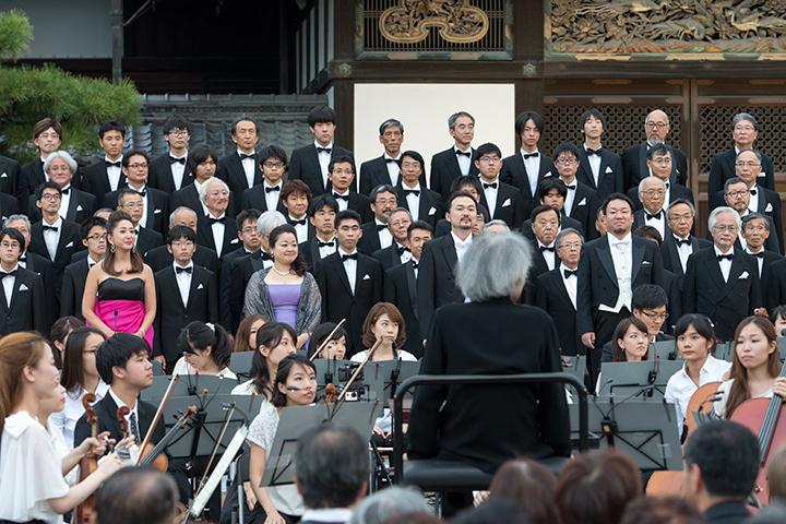 京響コーラスとOMF合唱団の合同メンバーに、4人のソリスト(醍醐園佳・ソプラノ、藤井麻美・アルト、安賜勲・テノール、伊藤貴之・バリトン)