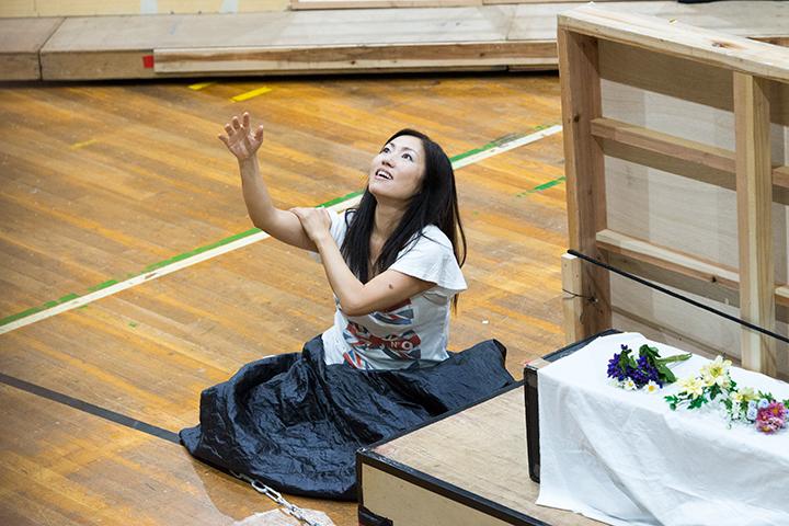 ユピテルの黄金の雨に戯れるダナエ(林正子) Photo:M.Terashi/TokyoMDE