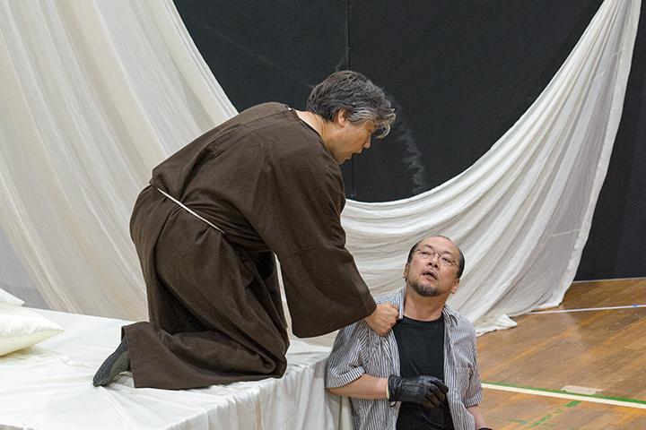 ミダス(福井敬)、ユピテル(小森輝彦) Photo:M.Terashi/TokyoMDE