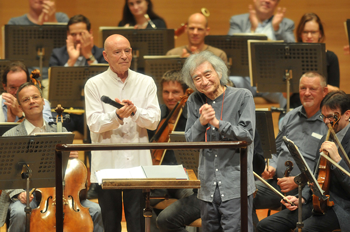 左)クリストフ・エッシェンバッハ 右)小澤征爾 写真提供:サントリーホール