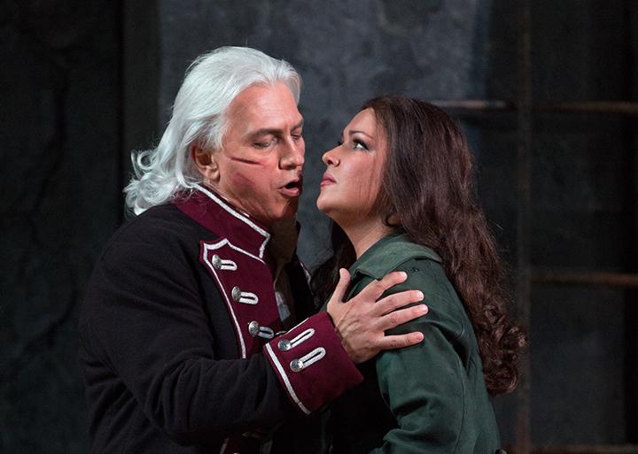 ネトレプコ&ホヴォロストフスキー (C) Marty Sohl / Metropolitan Opera