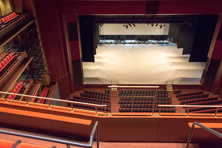 4階席中央から Photo:J.Otsuka/TokyoMDE