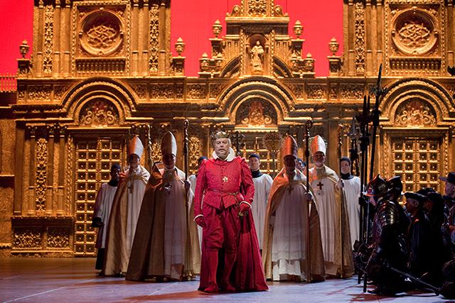 ニコラス・ハイトナー演出《ドン・カルロ》(メトロポリタン・オペラ)  C)Ken Howard/ Metropolitan Opera