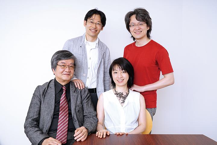 上段:大塚直哉(左)、鈴木優人(右) 下段:渡邊順生(左)、曽根麻矢子(右)