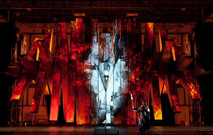 《ワルキューレ》 (C)Yves-Renaud/Metropolitan-Opera
