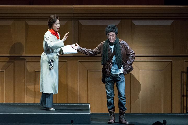 左)ドンナ・エルヴィラ:澤畑恵美 右) レポレッロ:西尾岳史