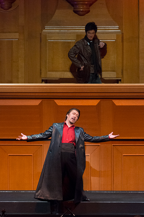 左)ドン・ジョヴァンニ:黒田博 右)レポレッロ:西尾岳史