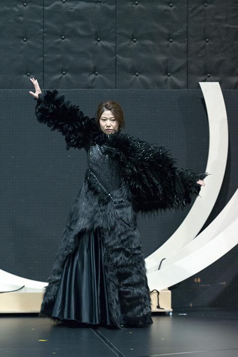 この日は歌手の衣裳合わせも行われた。 こちらは夜の女王(高橋維)