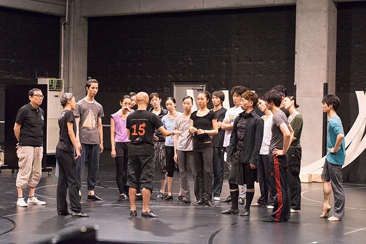 東京バレエ団のダンサーたちも合流