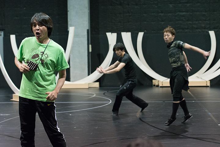 左から)鳥刺しパパゲーノ:宮本益光、岡崎隼也、氷室友