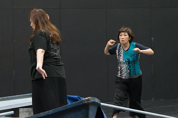 右)ブランゲーネ:加納悦子